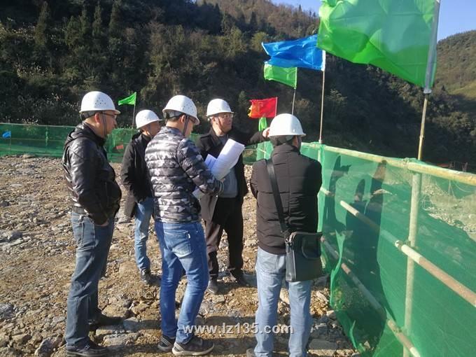一三五队队长柯军一行到古叙垃圾焚烧发电厂项目检查指导工作