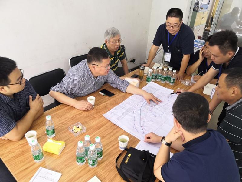 副局长王永奎一行到乐山市五通桥区牛华中学滑坡治理工程项目检查指导工作