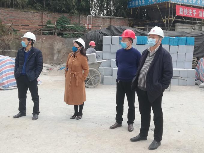 副局长王永奎到泸县第二人民医院外科大楼项目检查指导工作