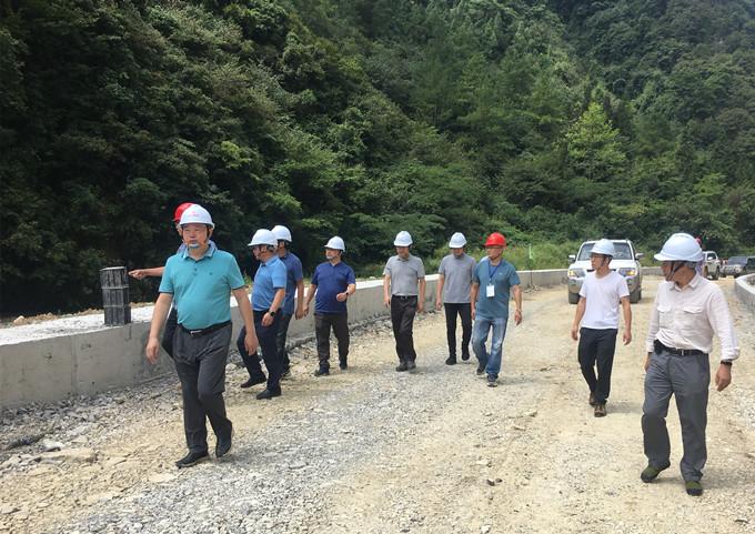 李之利带队到箭双路项目检查指导工作